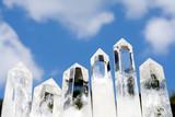 水晶の結晶と空
