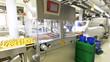 Fliessband Pralinenmanufaktur // chocolate manufactory - 77536862