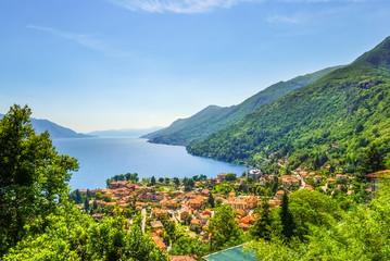 Dorf am Lago Maggiore