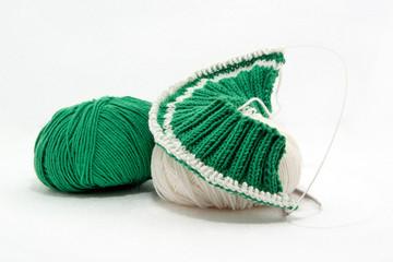 Handarbeit für Baby in grün und weiss