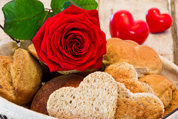 Brotkorb mit Liebe gefüllt