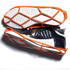 Shoe spikes imposed on shoes, to increased safety for ice