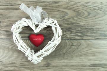 wiklinowe białe serce na walentynki