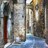 beautiful old streets of Italian medieval towns