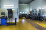 Tire or tyre repair shop service - 77571036