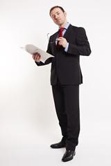 Geschäftsmann mit Arbeitsmappe 3
