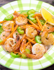 Shrimps with vegetable