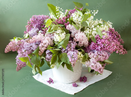 Papiers peints Muguet de mai Still life with lilac flowers