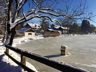 Winter im bayrischen Dorf