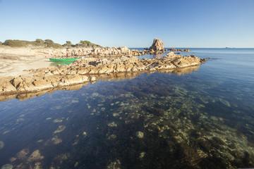 Rocce sulla spiaggia in Sardegna