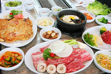 韓国 焼肉 盛り合わせ Korean barbecue roasted meat set