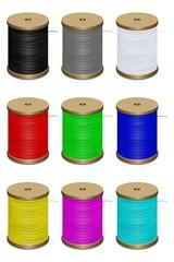 Bobines de fil de différentes couleurs