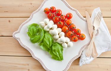 Zutaten fuer Caprese Salat