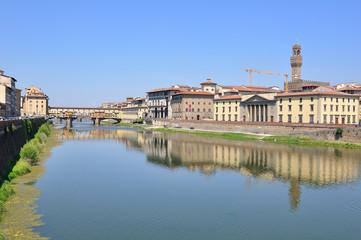 Ponte vecchio, fiume Arno, Firenze Italia