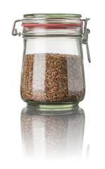 Leinsamen in einem Einmachglas