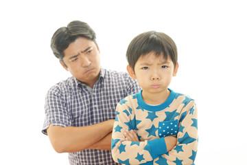 不機嫌な親子