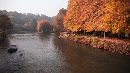 autunno colore fiume