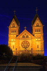 St. Lutwinus church in Mettlach at night