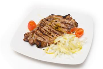 Bistecca di manzo ai ferri con contorno di verdura