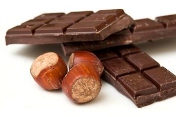 Chocolat à croquer et noisettes