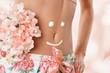 schöner Bauch mit Smiley - 77690690