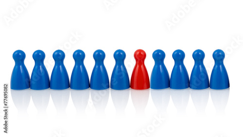Pawns in a row, red one among blues - 77695082