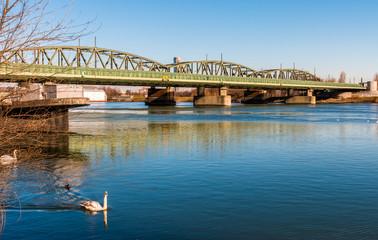 Donaubrücke in Wien-Handelskai