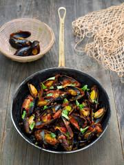 rustic black mussel in tomato sauce