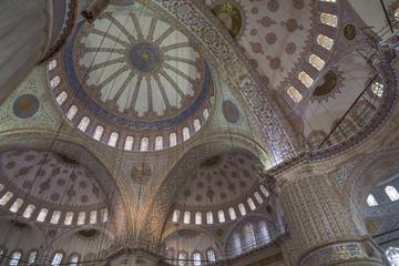Zentraler Innenraum der Blauen Moschee