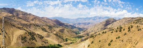 Papiers peints Autre View from Kamchik (Qamchiq) mountain pass, Uzbekistan.