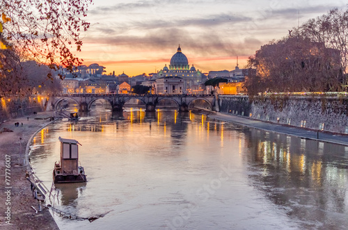 Keuken foto achterwand Rome Vatican City and Tevere River in Rome at Dusk