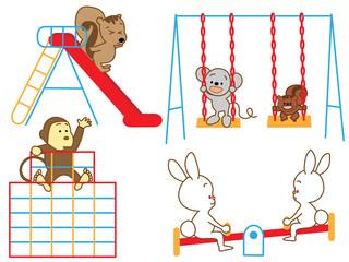 遊具で遊ぶ動物