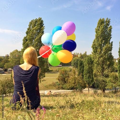 canvas print picture Frau mit Ballons im Park