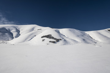 snow mountain scenery,
