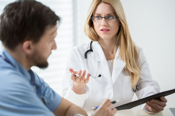 Intern consulting with other doctor