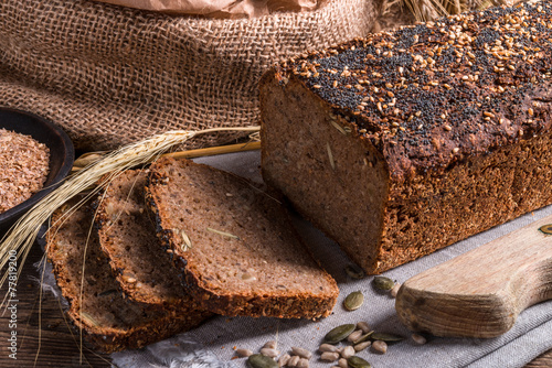 Foto Spatwand Brood homemade whole wheat bread