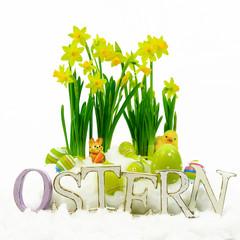 Holzbuchstaben Ostern - Narzissen und Ostereier