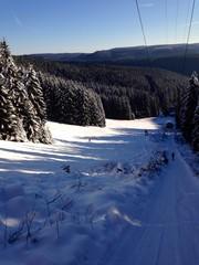 winterlandschaft im skigebiet