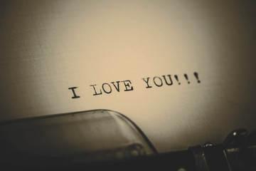 """""""I love you"""" message typed by vintage typewriter"""