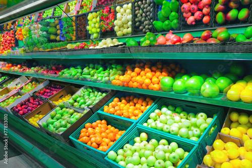 Keuken foto achterwand Boodschappen Fruits in supermarket