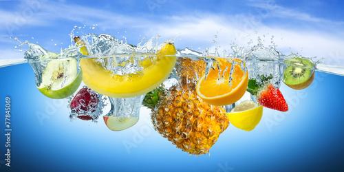 fruit splash - 77845069