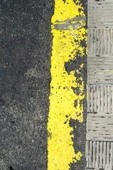Alte Straßenmarkierung @ miket