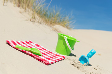 Toys in the dunes