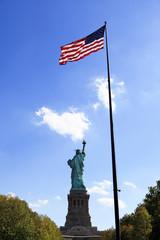 自由の女神と星条旗