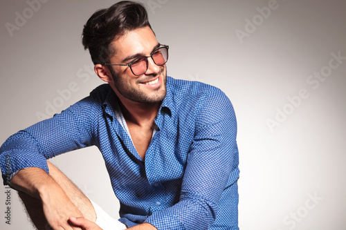 Portrait of a handsome fashion man smiling - 77866059