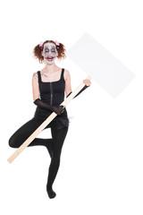 verrückte Ballerina mit einem leeren Schild