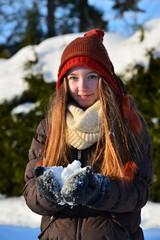Mädchen im Schnee Winter