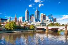 "Постер, картина, фотообои ""Melbourne skyline looking towards Flinders Street Station"""