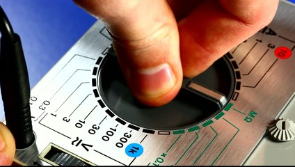 Selecting function on analogical measuring instrument