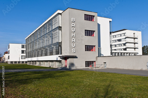 Leinwanddruck Bild Bauhaus Dessau